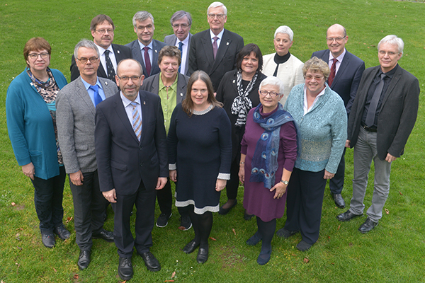 The executive board of the Rhineland Church consists of six full-time members and nine additional members.