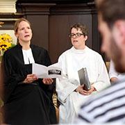 Protestant minister Eva Gabra and her Catholic colleague, the pastoral advisor Astrid Joxen.