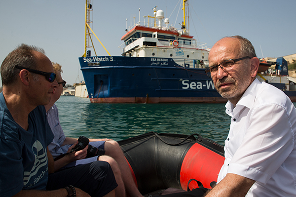 Church president Manfred Rekowski visits Sea-Watch.